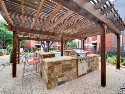 4804 Haverwood Apartments Grilling Area